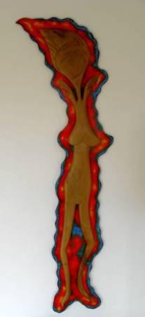 'Die Tänzerin' in Walnussbaumholz auf bemalter Spanholzplatten. Gestaltet von Matzi Müller,  Atelier Donnerkeil auf Kap Arkona.