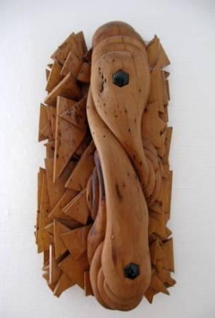 'o. Titel'. Skulptur in Apfelholz. Gehauen von Matzi Müller.