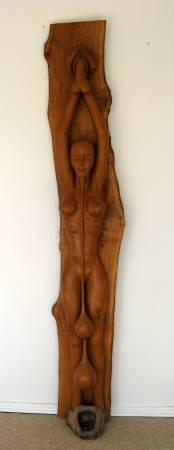 'Ischtar'. Skulptur in Eichenholz. Gehauen von Matzi Müller.