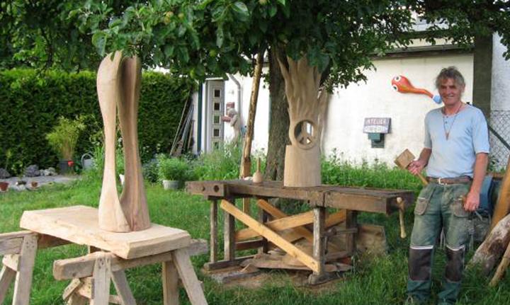 Arbeiten des Bildhauers Matzi Müller, Freiland-Atelier Donnerkeil in Sonnschied.